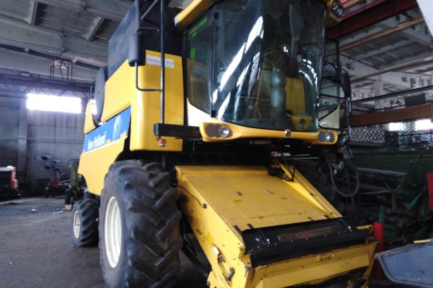 Комбайн New Holland CS 6080